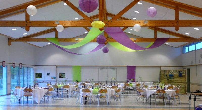 salle des fêtes décorée