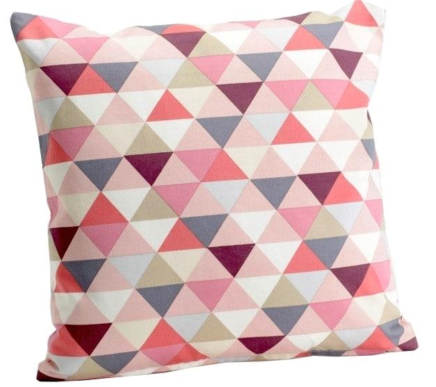coussin motifs géométriques