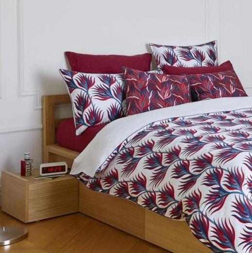 linge de lit fleurs stylisées