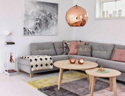 murs gris rosé en association avec du cuivré