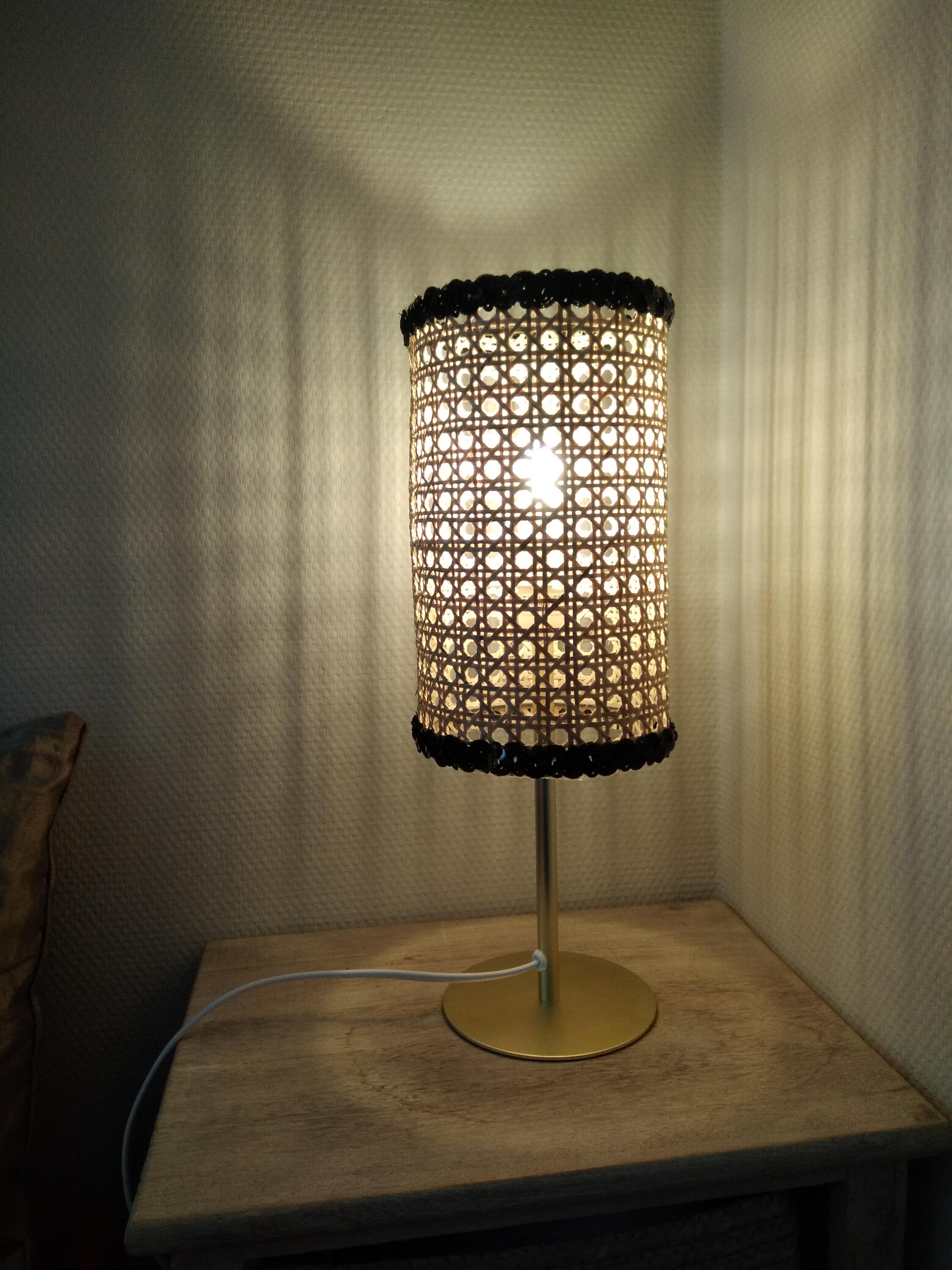 lampe en cannage