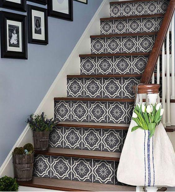 Escaliers motifs géométriques