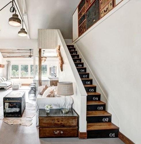 Pochoir sur marches d'escalier