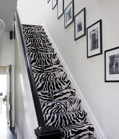 Motif zèbre dans les escaliers