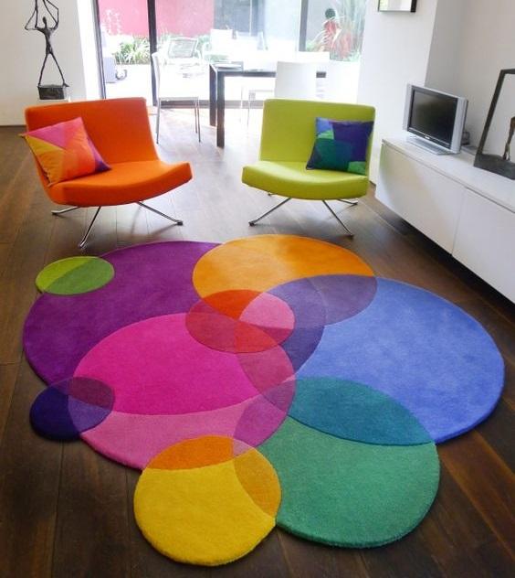 Tapis aux formes rondes colorées années 70