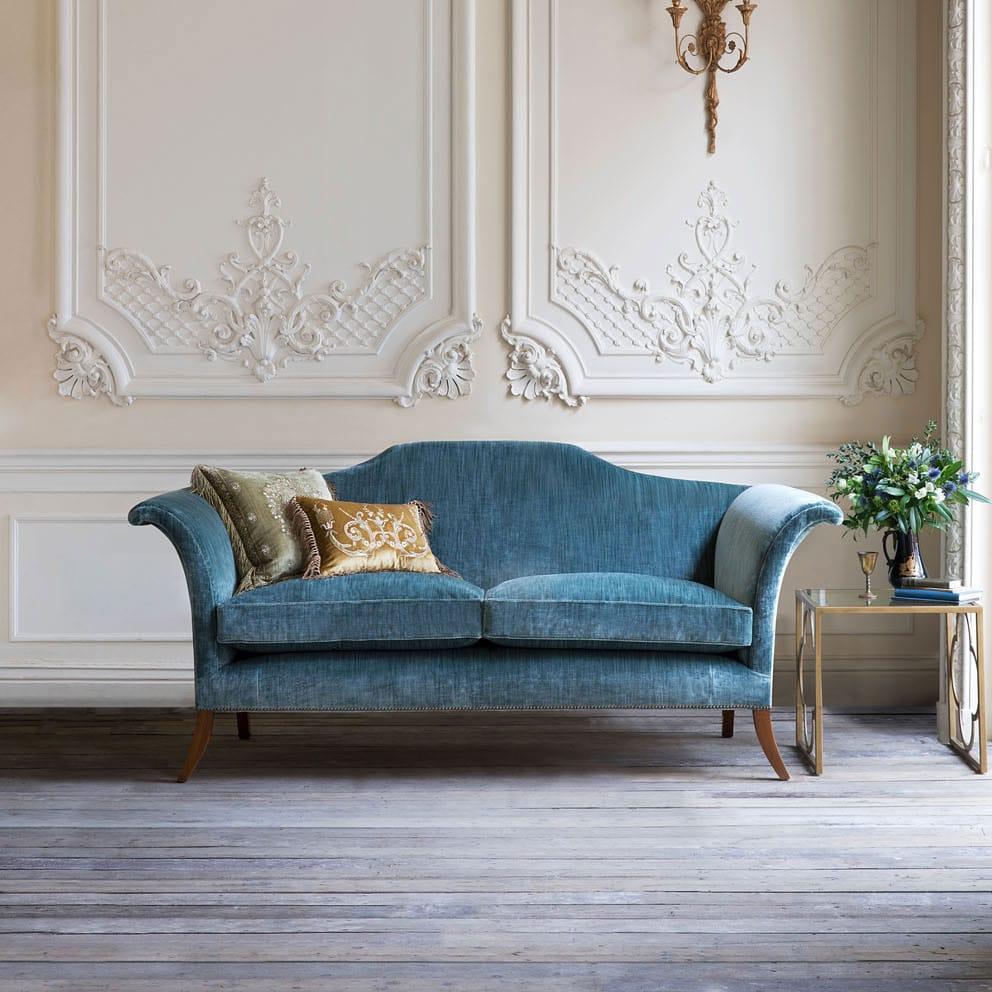 Canapé en velours style classique