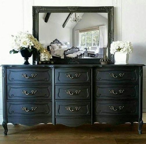 Commode mate style classique