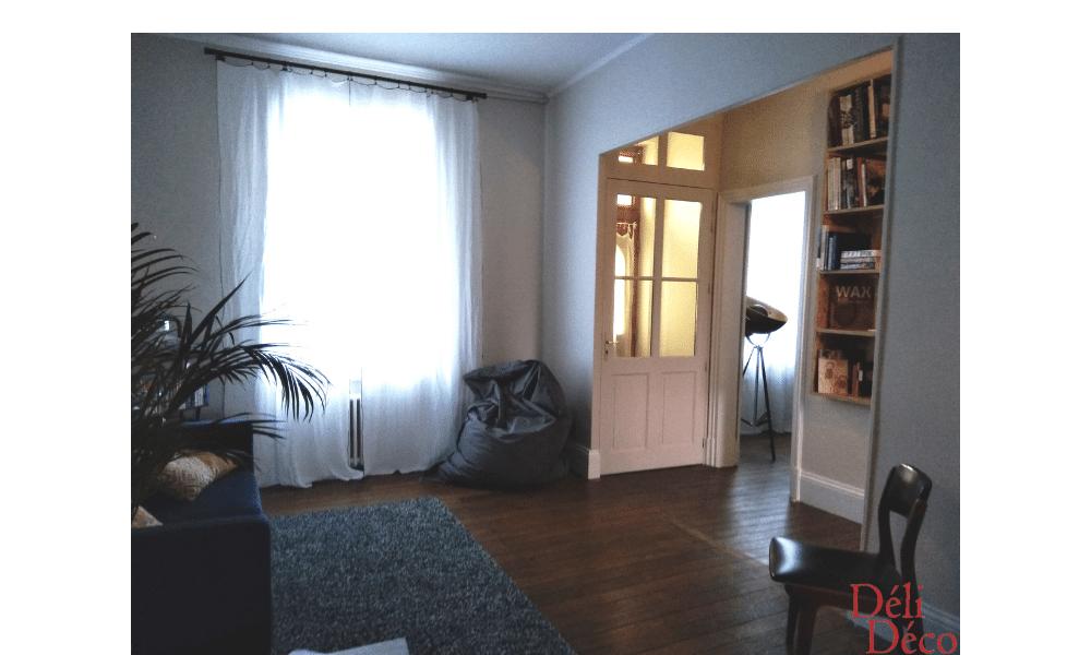 Vue décoration salon depuis séjour après