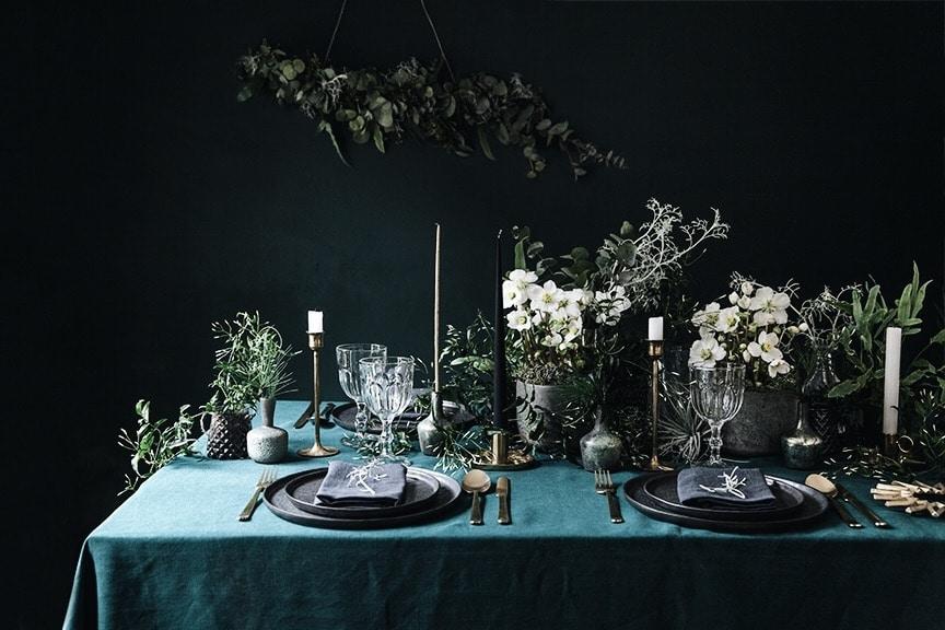 Table de fête bleu nuit