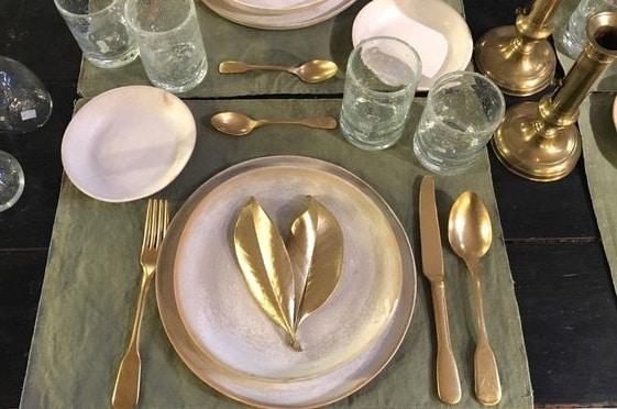 Table de fêtes vert et or