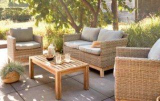 Salon de jardin résine et bois